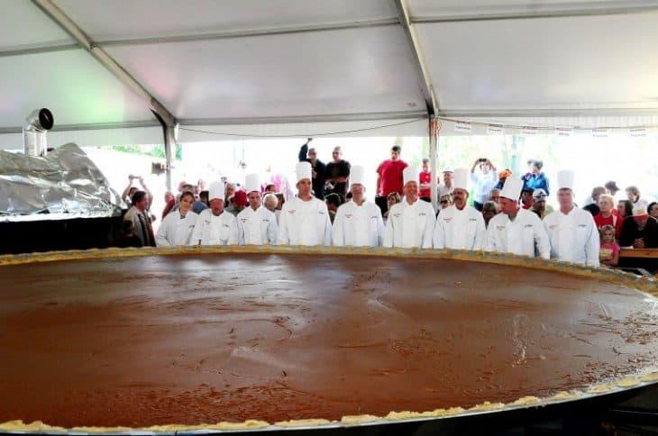 Worlds Largest Pumpkin Pie