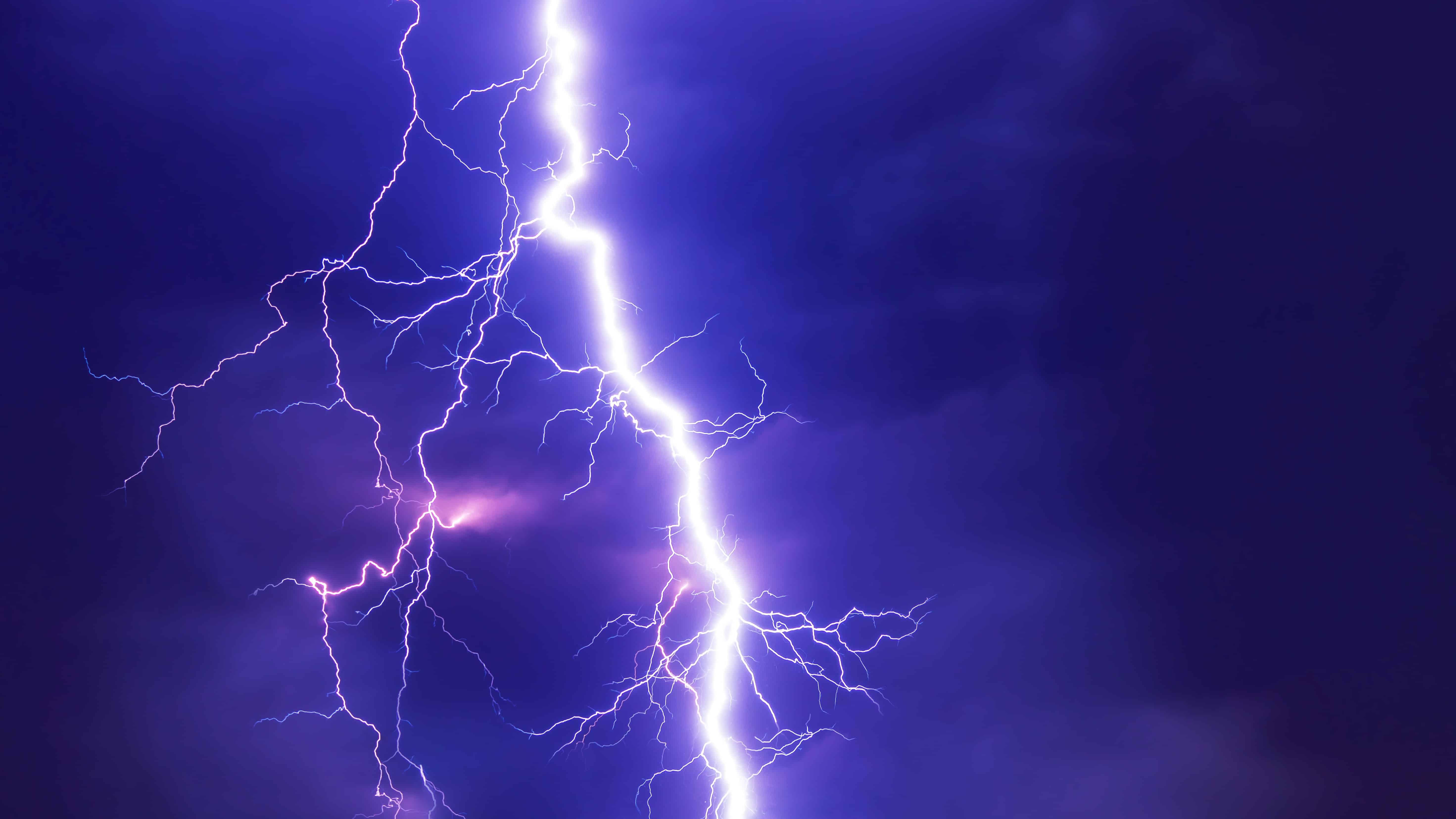 lightning, chemistry facts