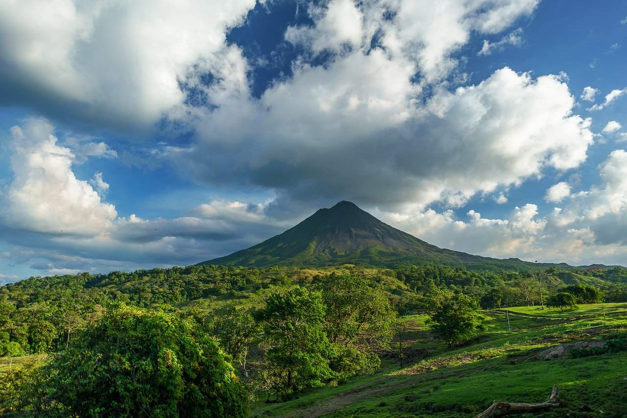 arenal volcano in costa rica, costa rica facts