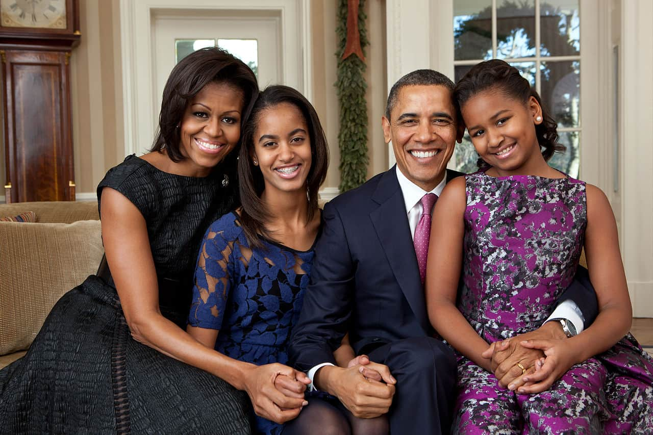 barack obama with wife and two daughters, barack obama facts