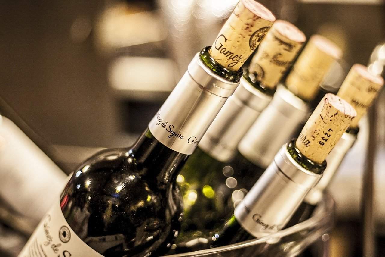 wine bottles, cork, wine facts