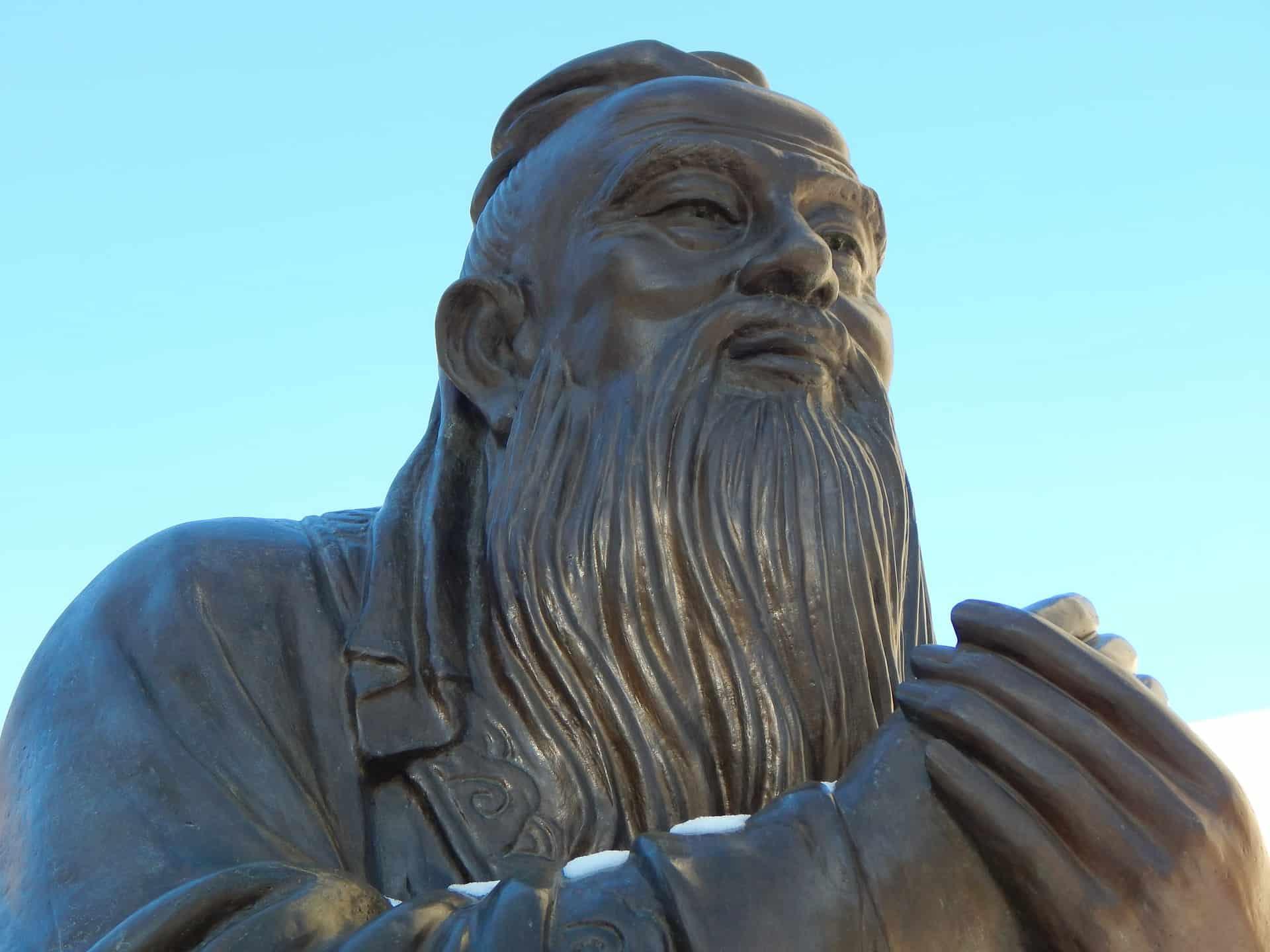 confucius chinese philosopher statue