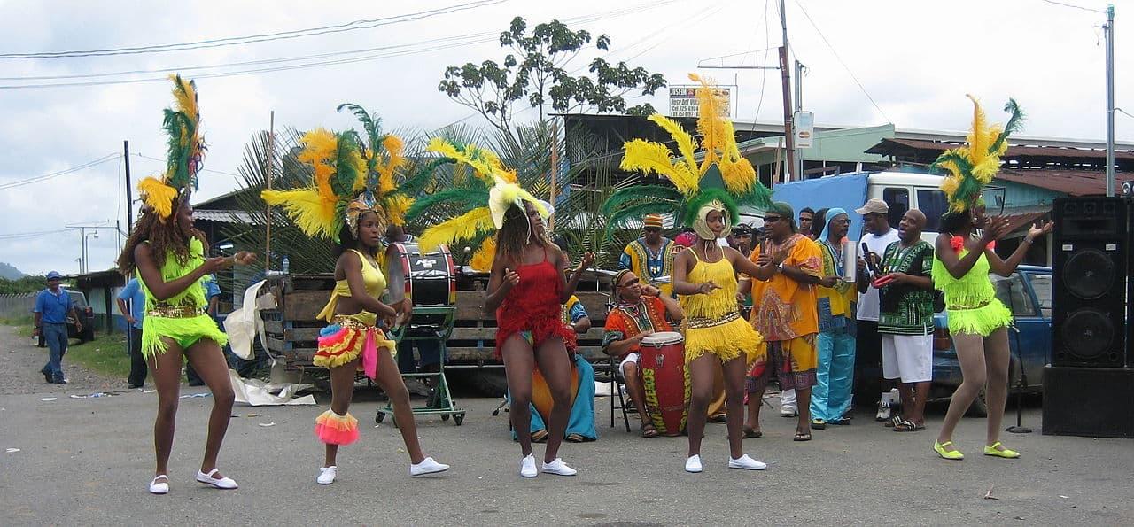 dancing in costa rica