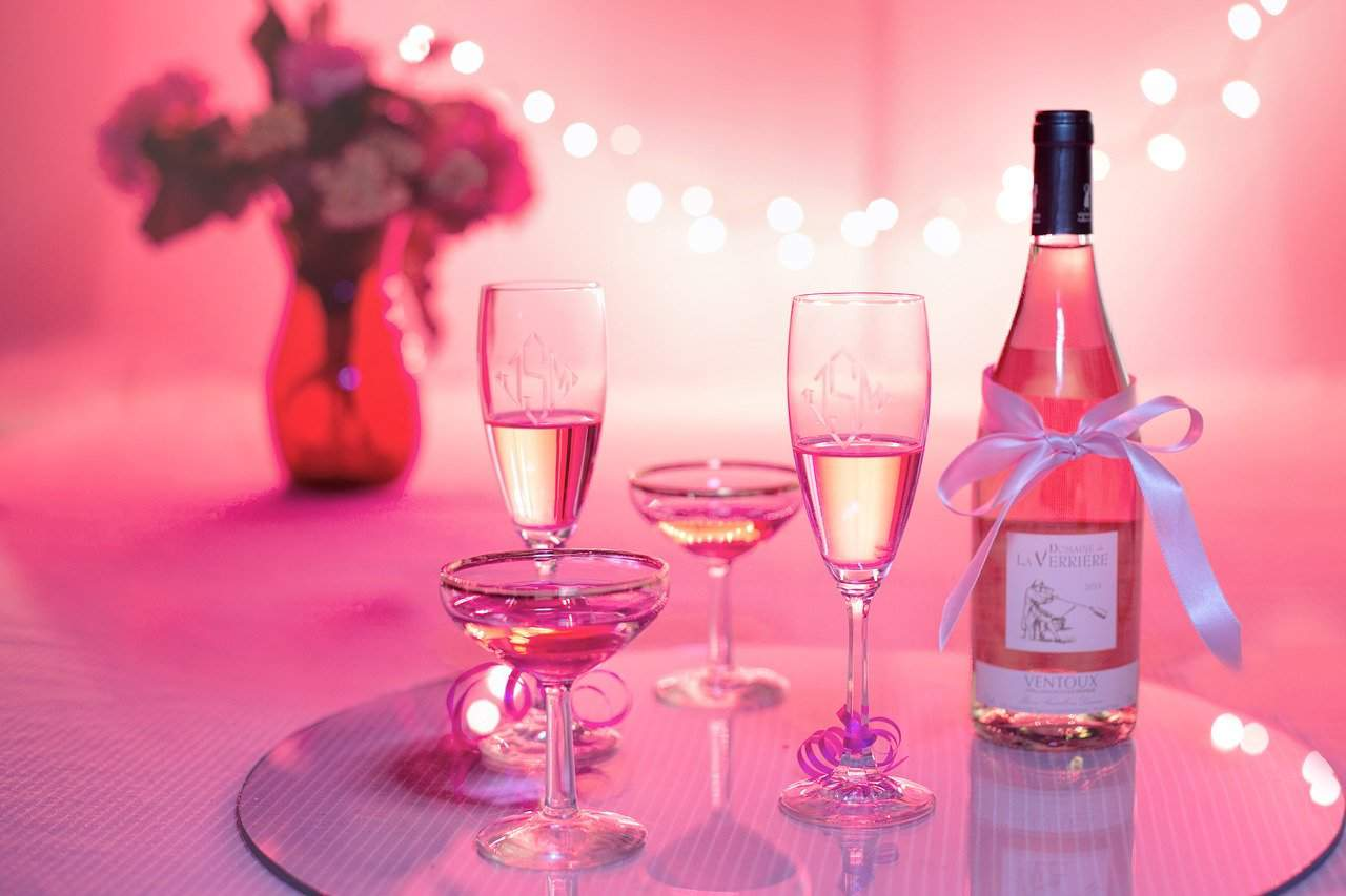 Pink wine, champagne, wine facts