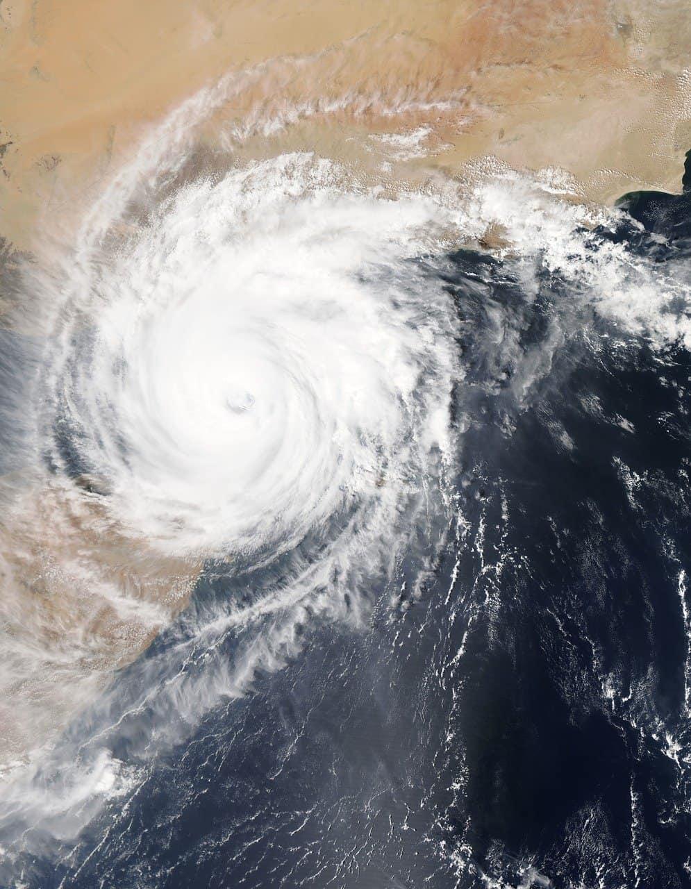 hurricane facts, earth, hurricane