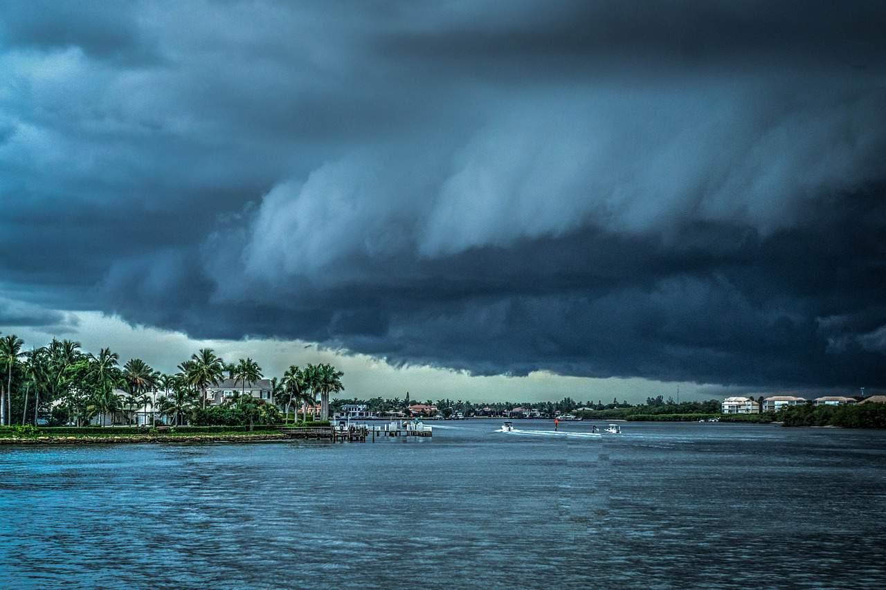 hurricane facts, beach, clouds