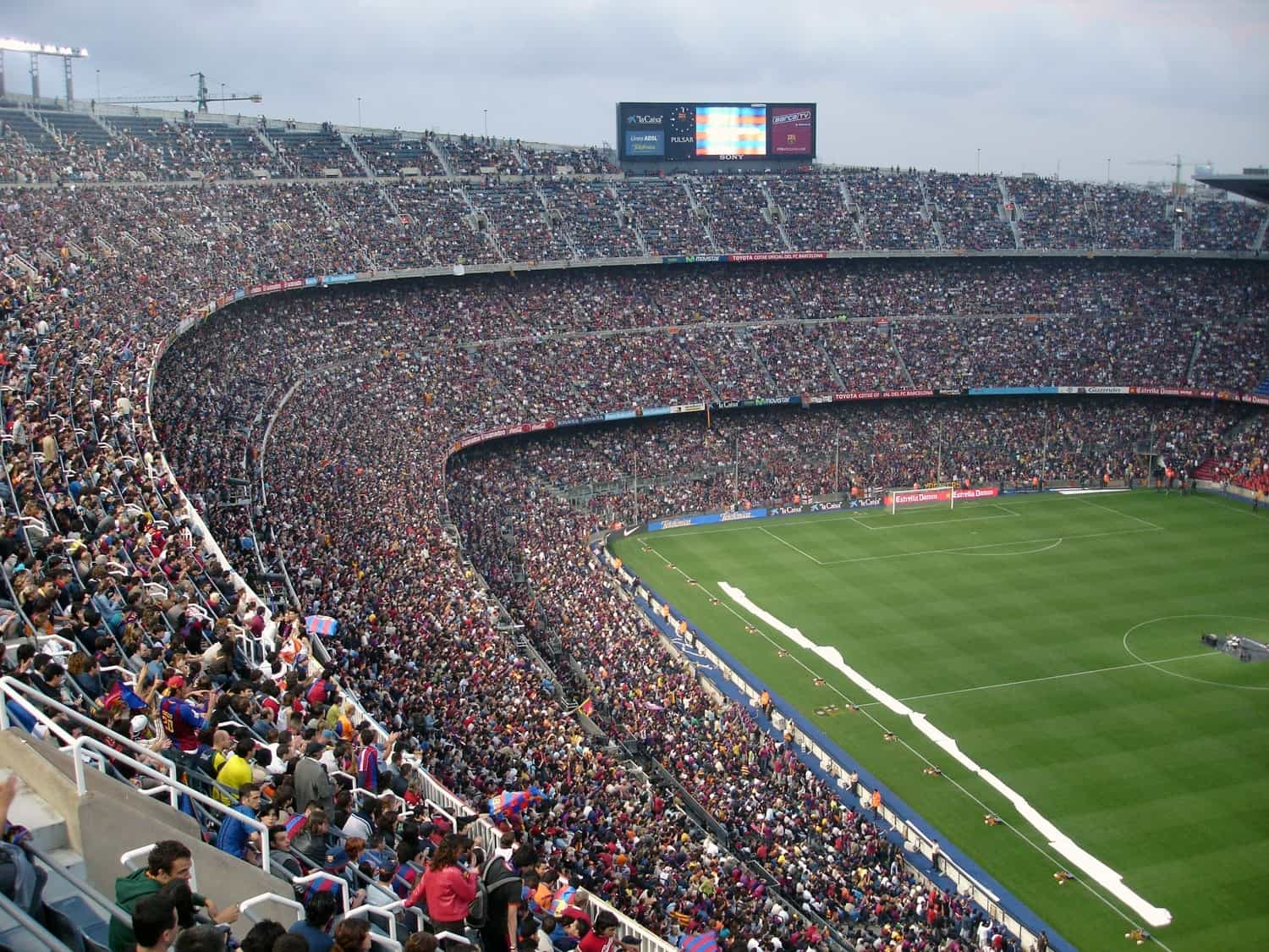 stadium full of spectators, sports facts