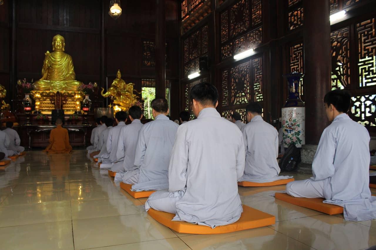 temple, men, vietnam, vietnam facts