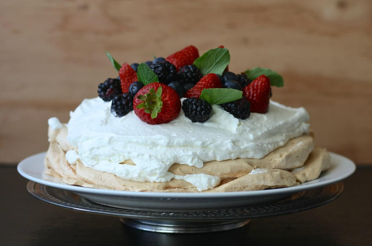 pavlova new zealand dessert