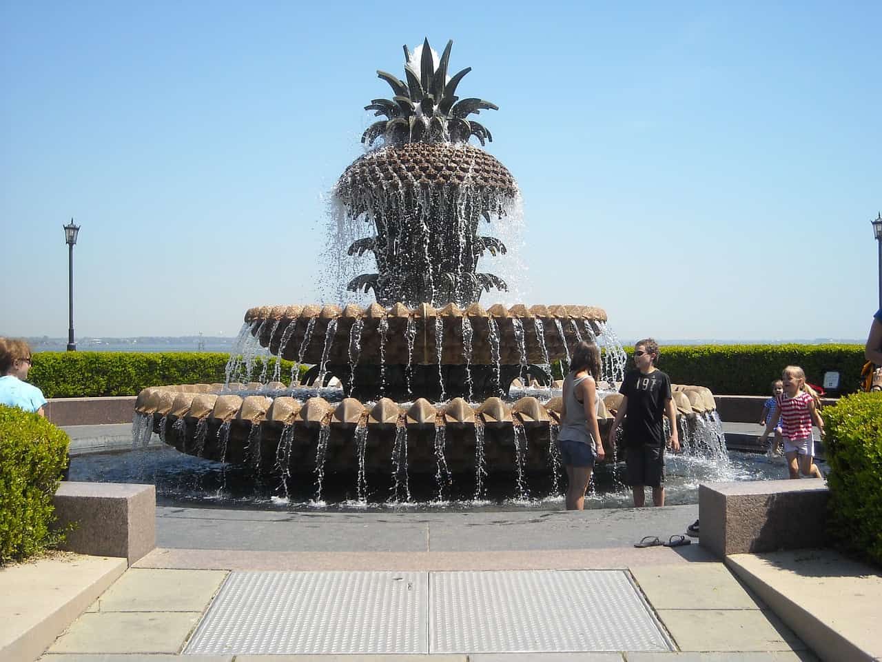 pineapple symbolism, pineapple fountain