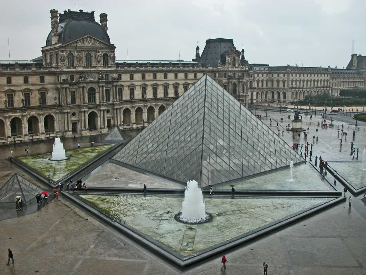 louvre museum, paris, paris facts