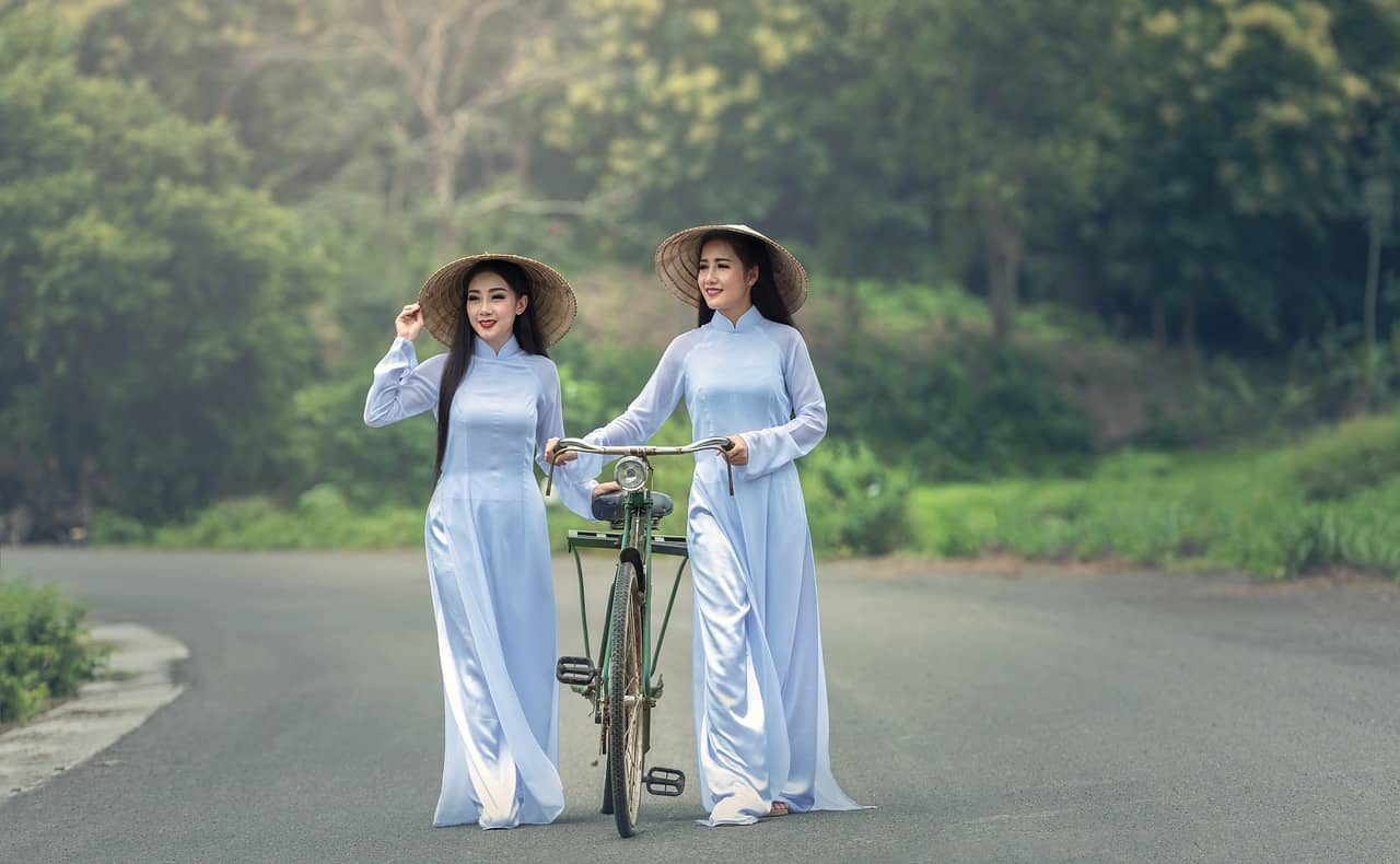 traditional vietnamese clothing ao dai