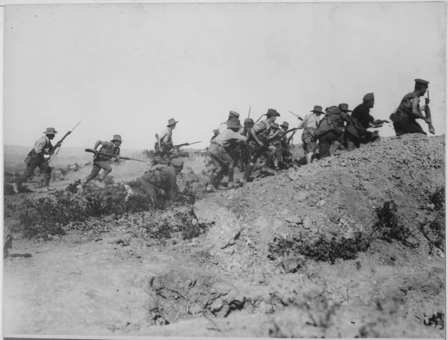 Australian troops charging Turkish lines during WW1, World War 1 facts, historical events facts