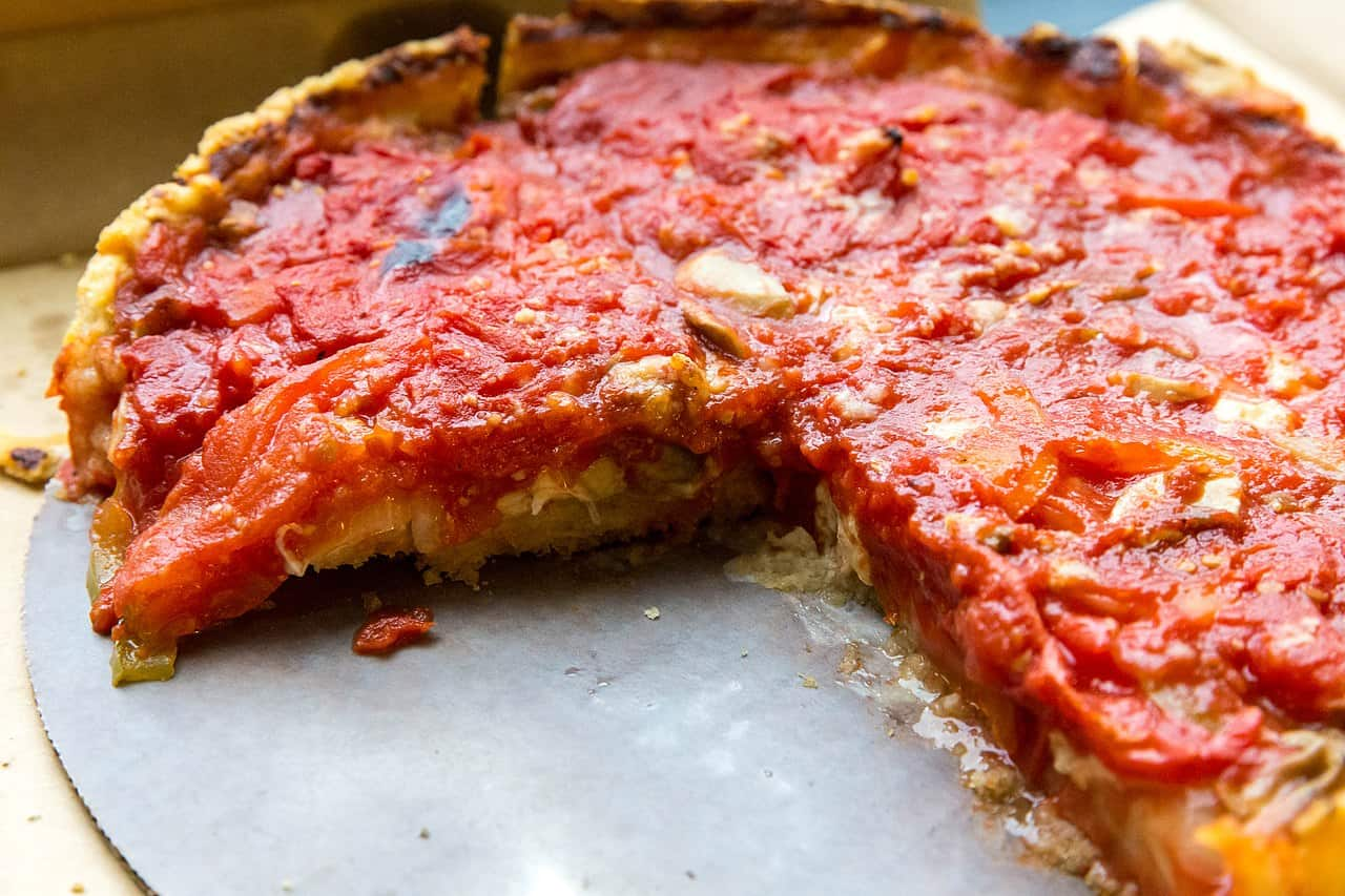 deep dish pizza chicago style, pizza facts