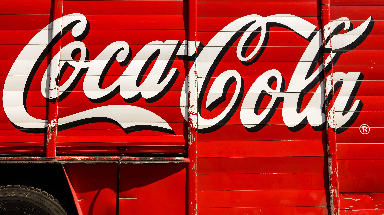 coca-cola font, coca-cola facts