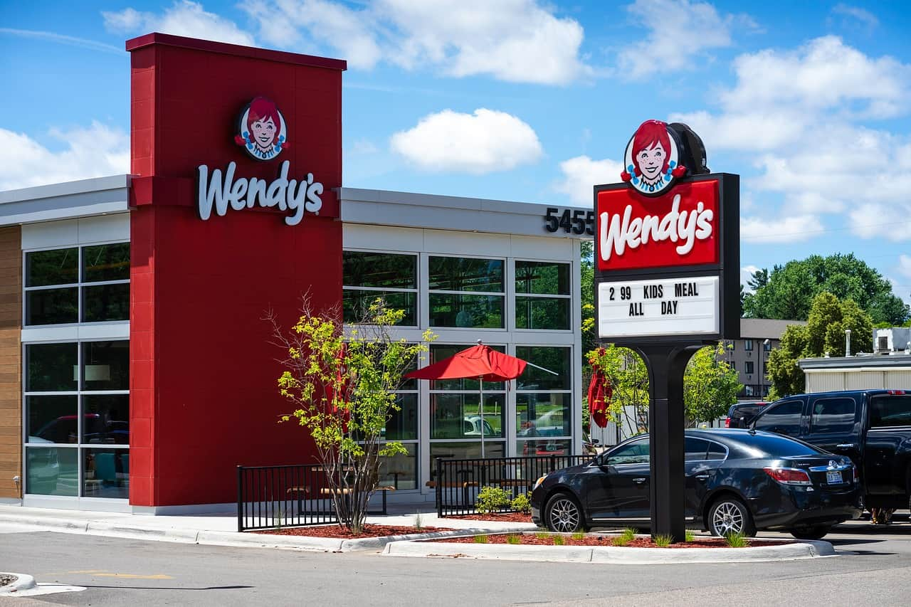 mcdonald's competitor wendy's, mcdonald's facts