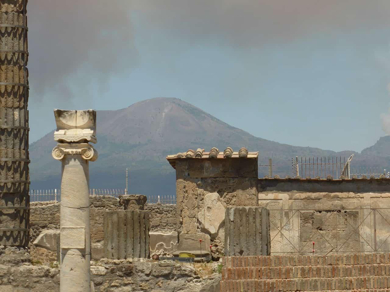 mt. vesuvius as seen from pompeii, pompeii facts