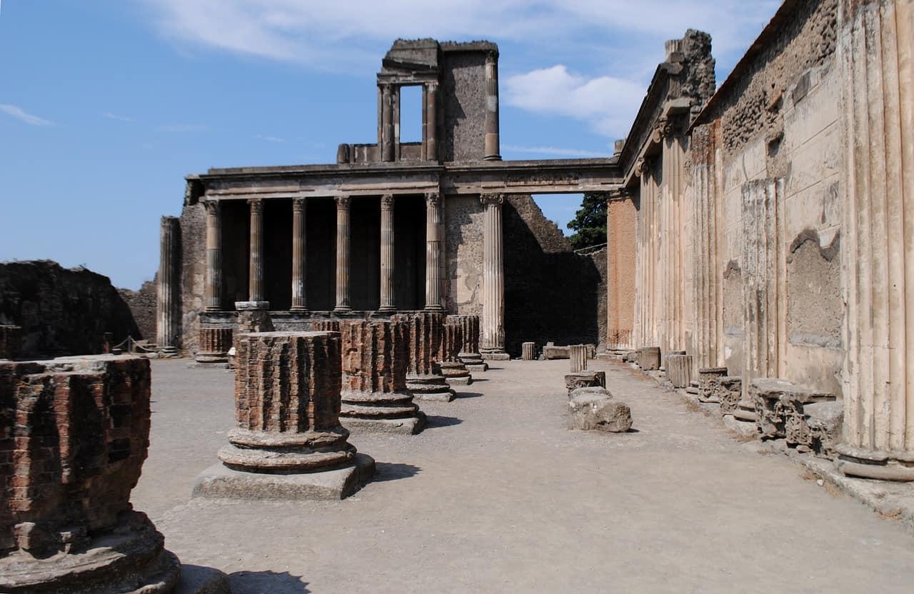 old temple in pompeii, pompeii facts