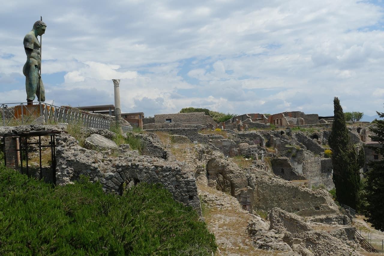 pompeii ruins UNESCO world heritage site, pompeii facts