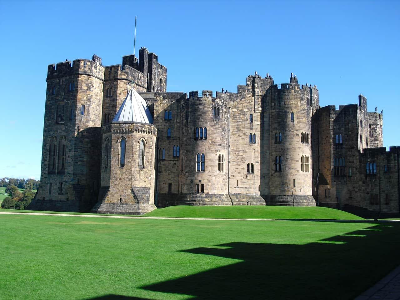 alnwick castle as the hogwarts school