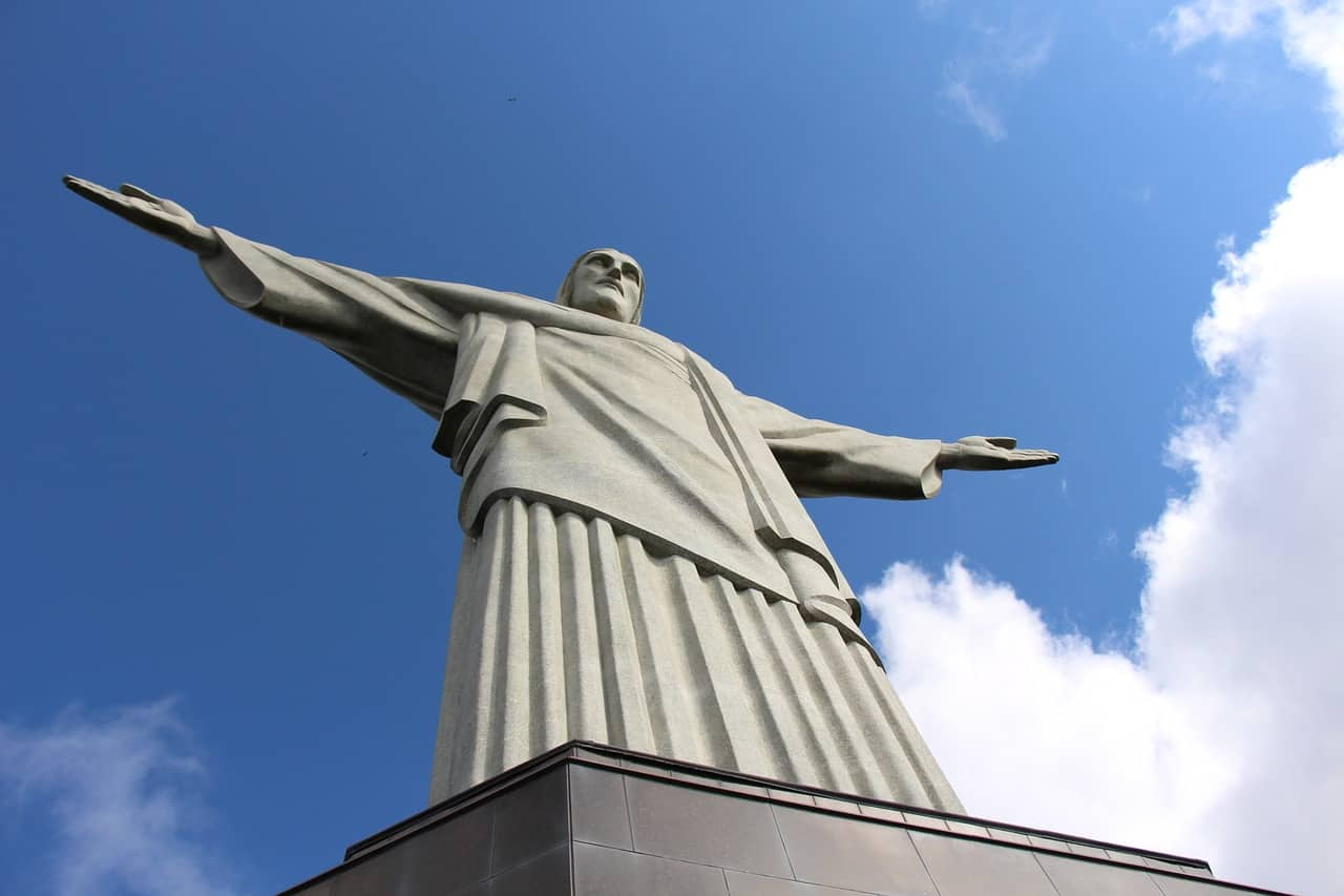 christ the redeemer facts, statue