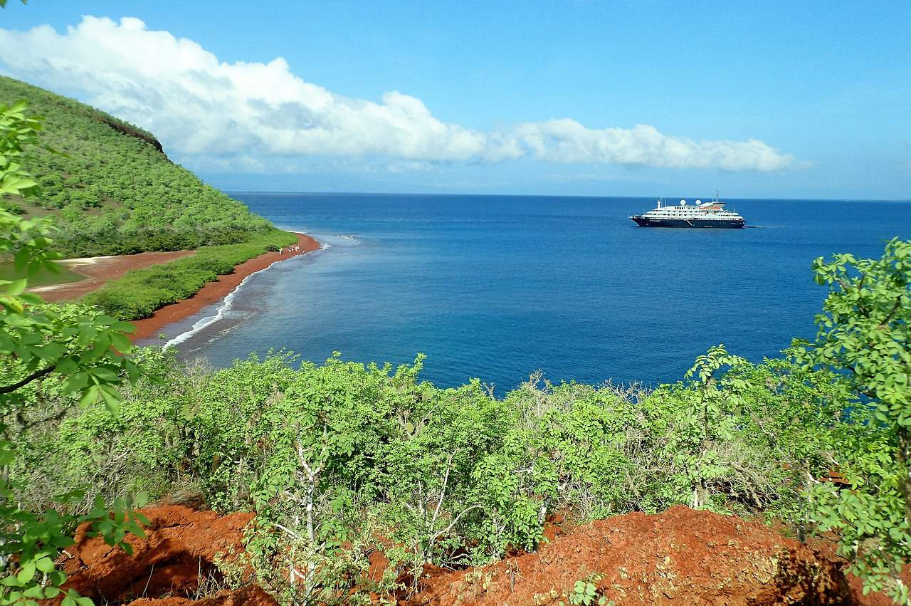 isla rabida, galapagos islands facts