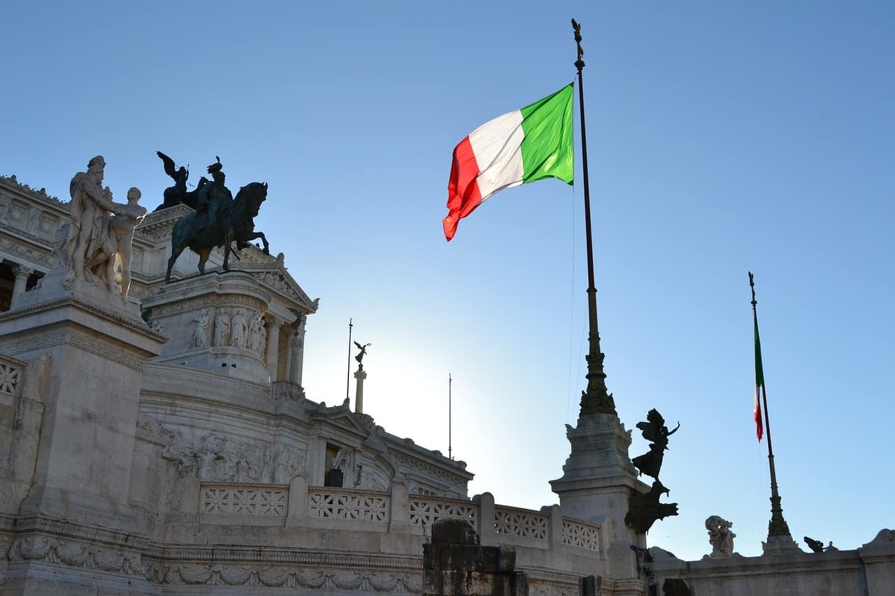 italian flag, italy facts
