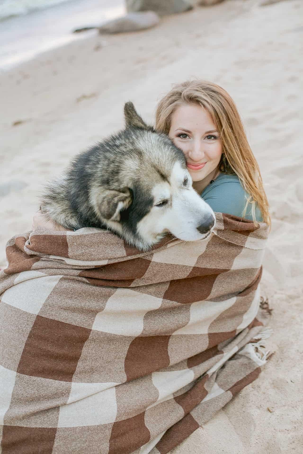 woman, blanket, husky, siberian husky facts