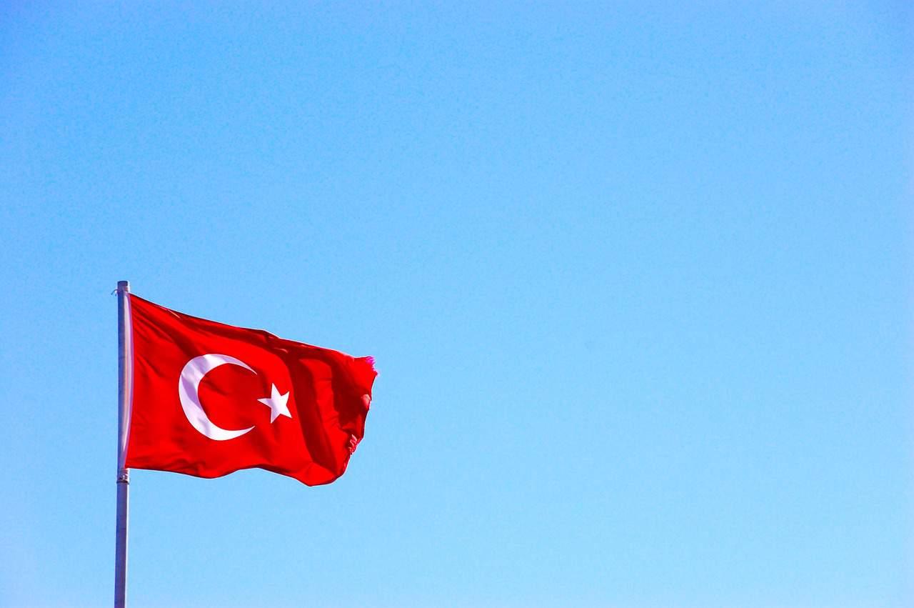turkey flag, turkey facts