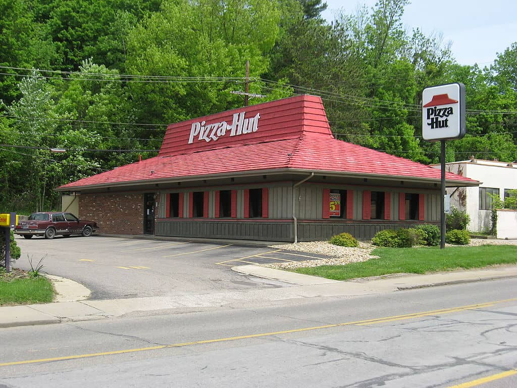 red roof, pizza hut facts
