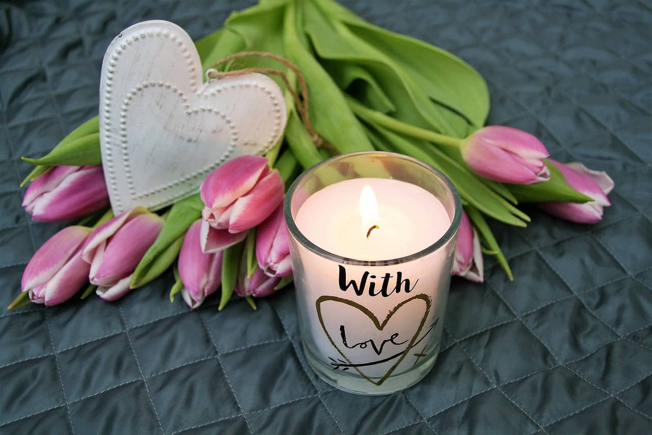 flowers, candle, memorial day facts