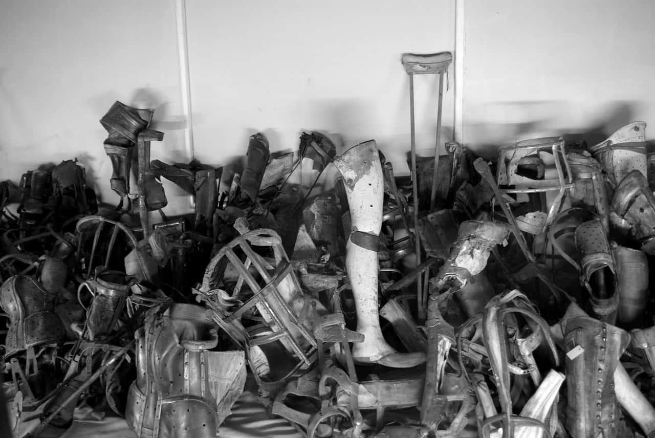 stolen items from auschwitz prisoners