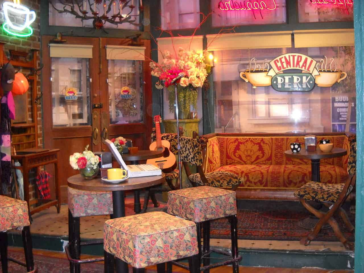 central perk, friends facts