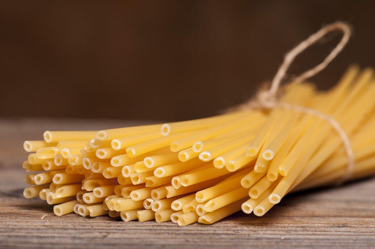 Bucatini - Italian Straw Pasta - Tube pasta type