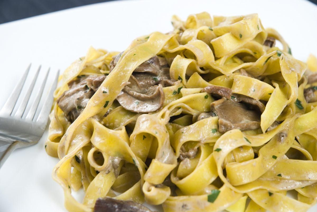 Tagliatelle pasta with mushrooms